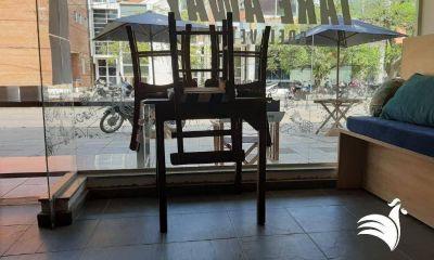 """""""No más sillas al revés"""", la nueva campaña del sector gastronómico para insistir con la reapertura"""