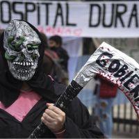 Los enfermeros siguen en la primera línea de combate contra el Covid pero Larreta se niega a reconocerlos