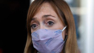 El incómodo momento de Anabel Fernández Sagasti tras el primer vuelo a Mendoza