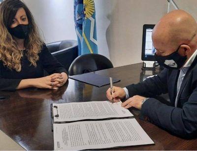 Sastre firmó convenio de cooperación con el PAMI