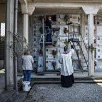 El Vaticano amplía las indulgencias plenarias para los difuntos
