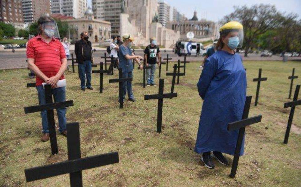 Protesta de personal de Salud en el Monumento: