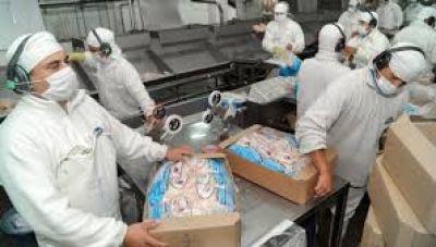 Incremento salarial del 20% para trabajadores avícolas