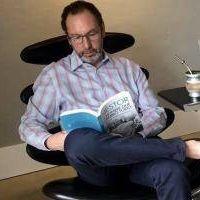Carlos Casares: Intendente con COVID pasa sus días entre mates y un libro sobre Néstor Kirchner