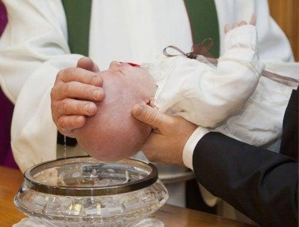 Celebración de bautismos
