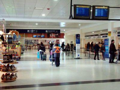 Bariloche pide que los turistas puedan llegar en los vuelos de cabotaje