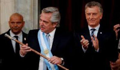 Giro en la estrategia oficialista: Alberto en el centro y polarización con Macri