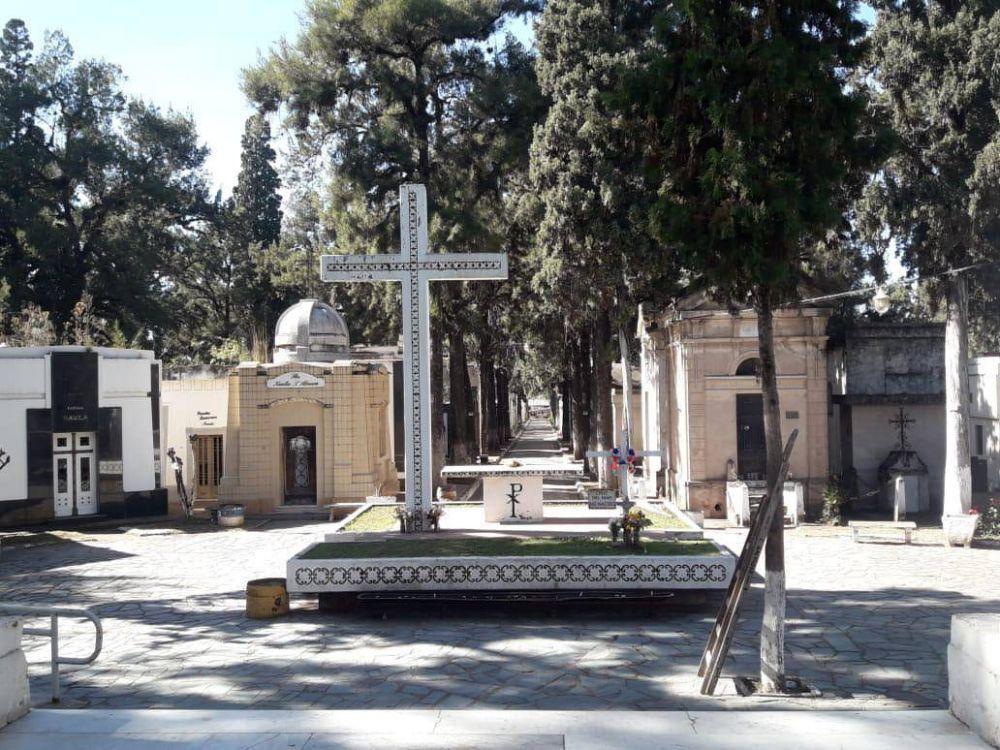 Municipio habilitó la apertura de cementerios
