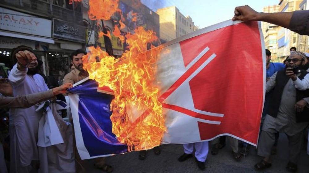 Crece el malestar del islam con Macron por caricaturas de Mahoma