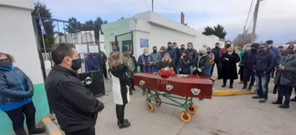 Río Gallegos modificará el protocolo de sepelios tras pedido del obispo