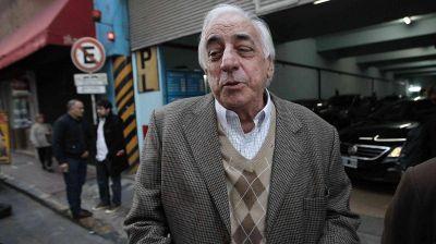 El Gobierno gira otros mil millones de pesos a las obras sociales con Roberto Fernández como ganador