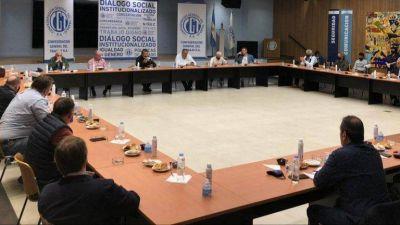 La preocupación por la economía y la situación política del Gobierno precipitaron una tregua en la CGT