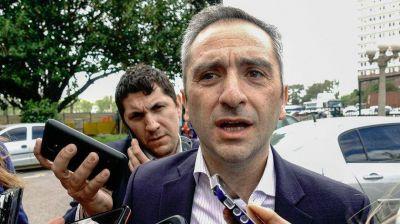 Larroque defendió los subsidios para desalentar tomas: