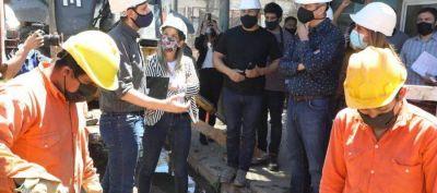 Ferraresi y Malena Galmarini recorrieron obras de agua y cloacas que beneficiarán a miles de vecinos de Avellaneda