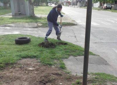 Trabajadores municipales erradican basurales y los transforman en lugares cuidados