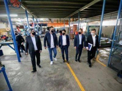 Kicillof lanzó el programa para apuntar el empleo en cooperativas