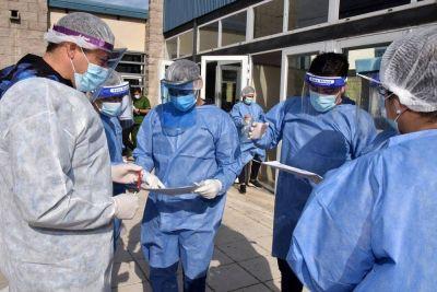 Proponen dos años de antigüedad por el 2020 para trabajadores de salud