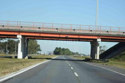 Autopista: Perotti propone para administrarla un