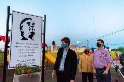 """Impusieron el nombre """"Néstor Kirchner"""" a una plazoleta de Juan B. Alberdi"""