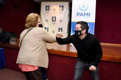 Nardini y PAMI entregaron subsidios de fortalecimiento en contexto de pandemia