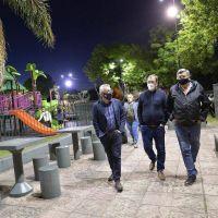 Julio Zamora supervisó funcionamiento de la nueva iluminación de la Plaza Mariano Moreno de La Paloma