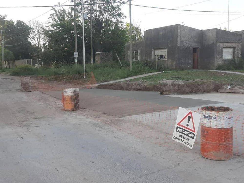 Terminaron los trabajos de bacheo en la esquina de Rawson y 25 de Mayo