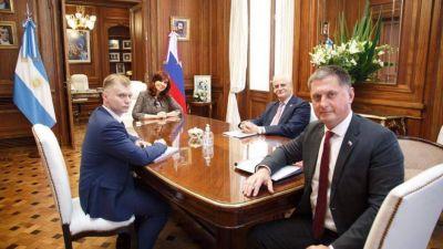 Cristina recibió al embajador de Rusia y consolida su rol de enlace con Putin