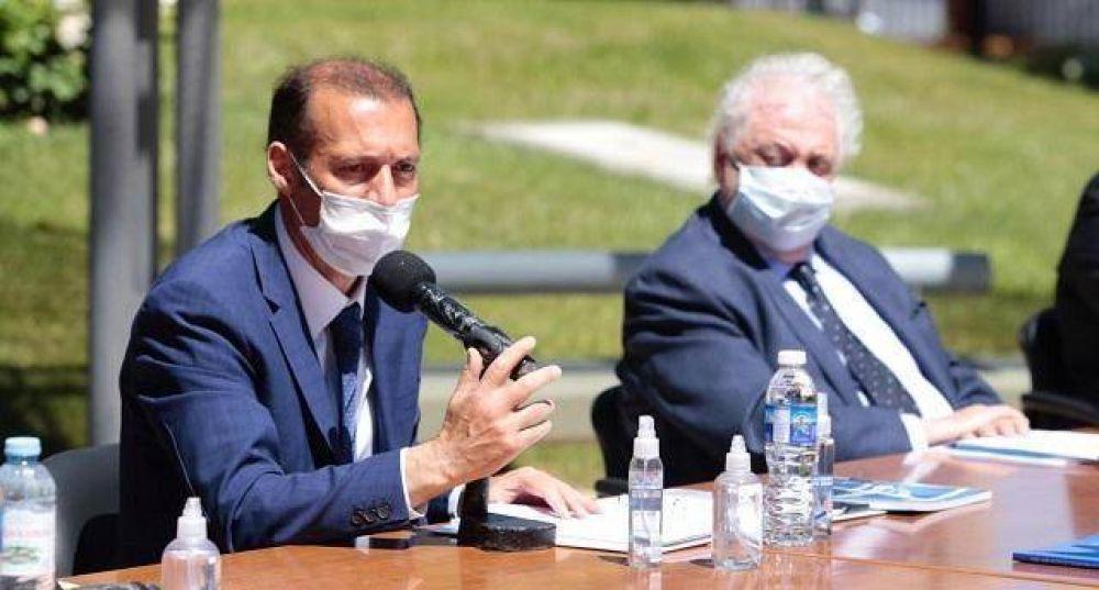 Ginés trajo, y mostró, respaldo a la gestión sanitaria de Gutiérrez