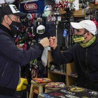 Jorge Macri visitó uno de los comercios que recibió el apoyo económico municipal de 20 mil pesos