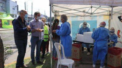 Lanús: Grindetti supervisó el comienzo de la campaña contra el dengue