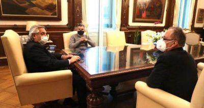 Entre desalojo y desalojo, el Presidente recibió a intendentes del Conurbano: Le habrían pedido que no ceda ante las tomas