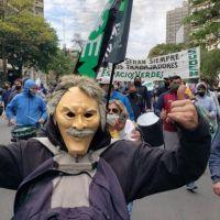 Masiva protesta de municipales en la ciudad de Córdoba por recomposición salarial con represión y detenidos