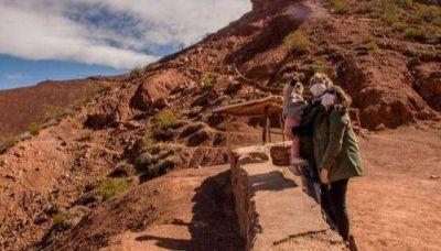 Turismo interno: quienes presenten síntomas deben llamar al 148 o al 136