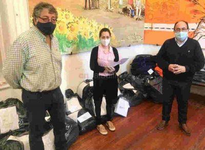 Entregaron indumentaria de trabajo a empleados municipales