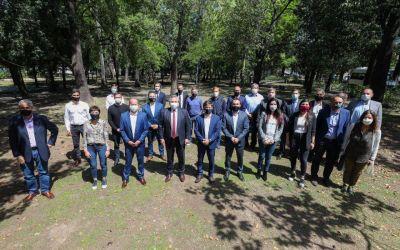 Alberto F. y Kicillof se reunieron con intendentes oficialistas: optimismo por la vacuna