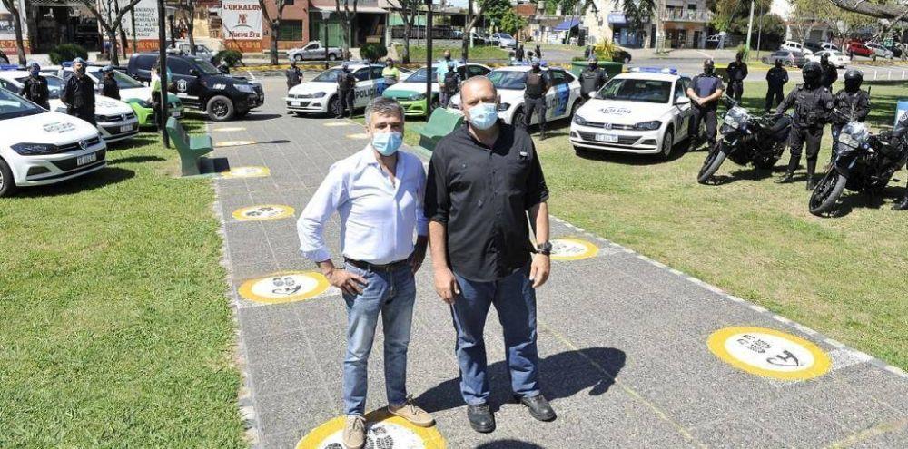 Berni entregó nuevos móviles policiales para reforzar la seguridad en Hurlingham
