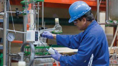 Paritaria récord para trabajadores químicos que fabrican baterías eléctricas