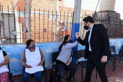 Trotta pisa fuerte en la Ciudad: presentó un programa de acompañamiento educativo en la villa 31