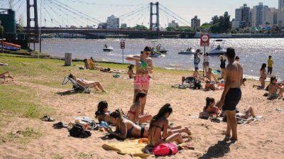 Postergan la apertura de playas y solárium y analizan el regreso de las colonias