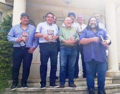 Lo hizo Evo. Reunión de las tres centrales sindicales con el líder boliviano para celebrar el triunfo