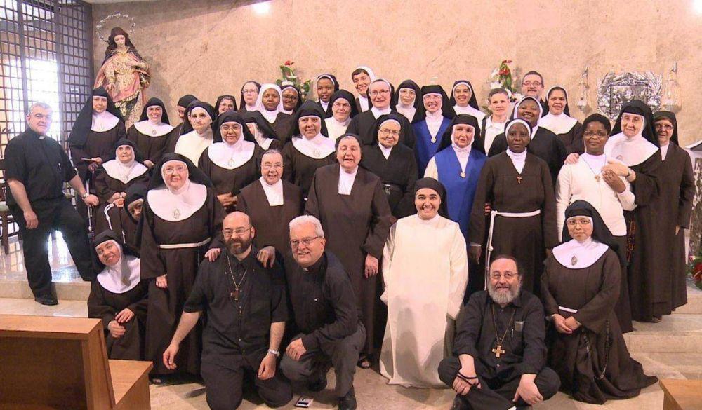 """Religiosos opinan que la nueva carta del Papa 'Authenticum Charismatis' pone """"orden en los nuevos carismas"""""""