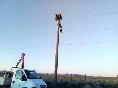 Personal de la CELT realizó un arduo trabajo para reponer los servicios afectados por el viento