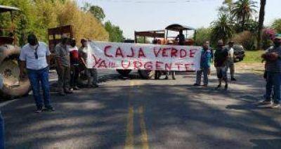 """Tabacaleros cortan la ruta 38 reclamando el pago de la """"Caja Verde"""""""