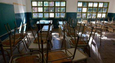 """Vuelta a clases: """"pasó un año de pandemia y no se arreglaron las escuelas"""""""