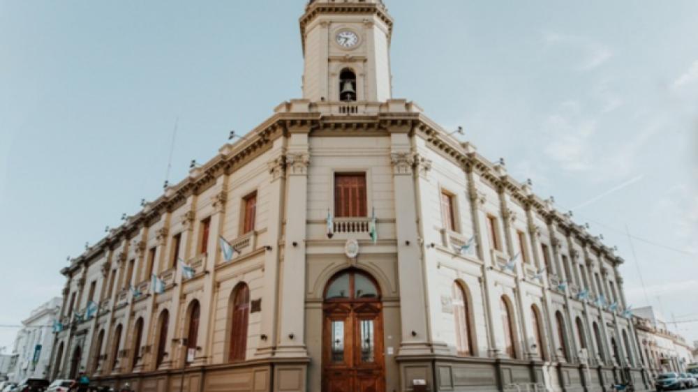 El lunes las dependencias municipales no atenderán al público