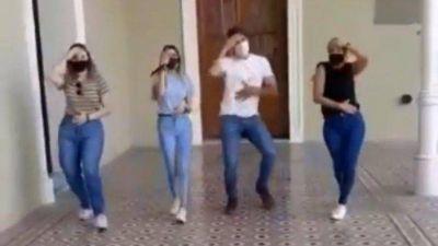 San Nicolás: Passaglia bailando en el Titanic