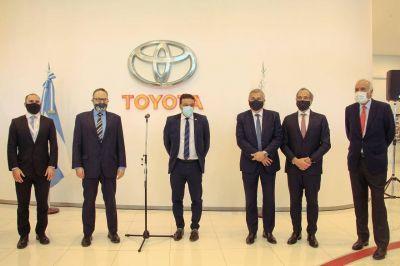 El intendente Cáffaro participó en la presentación de los anuncios de inversiones que realizaron los ministros Kulfas y Guzmán en Toyota Zárate