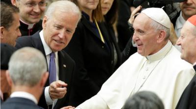 ¿Cuánto pesará en Joe Biden su fe católica y su cercanía al Papa Francisco?