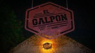 """El hijo del intendente """"en licencia"""" de La Cumbre, inauguró un bar y se armó toda una fiesta"""
