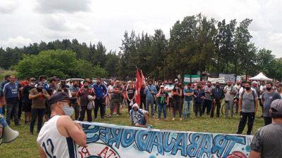 """Echeverría: Trabajadores de Cresta Roja se manifiestan por una """"solución definitiva"""""""